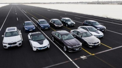 BMW said that the electrification center of gravity is still plugging hybrid technology