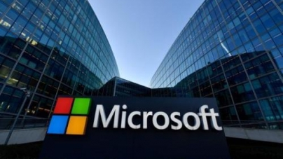 As the company further advances artificial intelligence and cloud computing, Microsoft's Windows executives leave